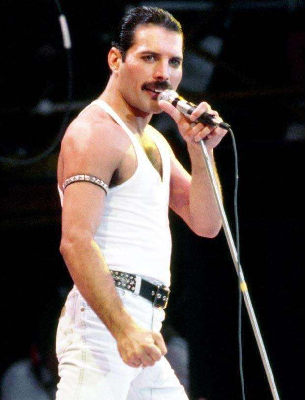 """Feddie Mercury died on November 24, 1991 at age 45. He died due to complications with AIDS.    Name:Freddie Mercury Born:1946 Birthplace:Stone Town, Zanzibar City, Tanzania Profession:Record producer, Pianist, Musician, Singer-songwriter, Singer+2more Institution:Ealing Art College, St. Mary's School, Mumbai, St. Peter's Boys School, West Thames College Height:5'9"""" Date Of Death:1991 Cause Of Death:AIDS, Pneumonia Place Of Death:Kensington, London, United Kingdom Medical…"""