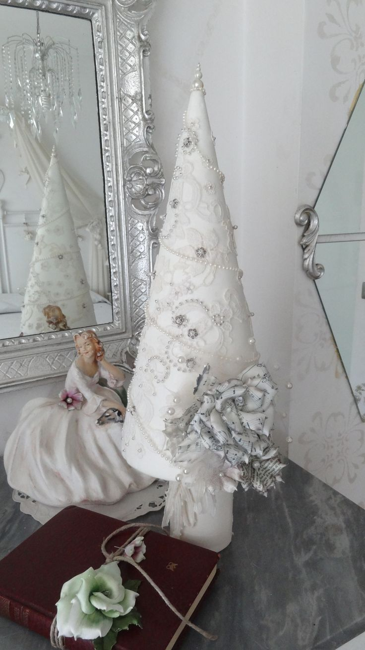 Albero di Natale con Rosa di Forme Tessili 3D