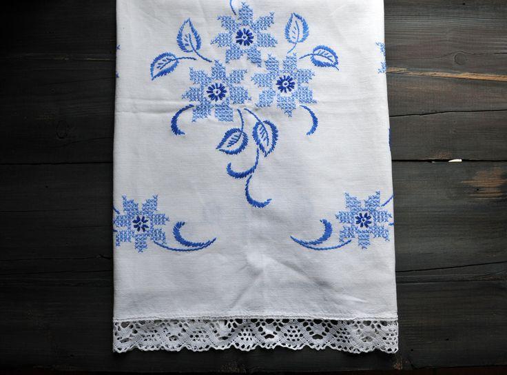 Antique Tea Towel, Embroidered Tea Towel, Antique Linen, Vintage Tea Towel, Farm House Decor, by ColoursAndSoul on Etsy