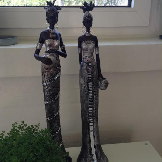 Super flotte Afrikanske Figurer - stående - gibs fra Maj Isenkram 54 cm høj  Køb dem på: www.regit-design.dk E-mærket godkendt webshop