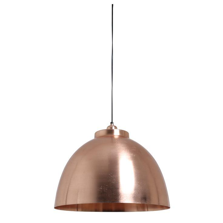 Wauw! Deze mooie hanglamp in de trendkleur mat rosé koper is gemakkelijk te combineren in meerdere interieurs. Hanglamp Kylie in de gave kleur mat rosé koper is vervaardigd van metaal en heeft dezelfde kleur binnenkant. De lamp heeft een diameter van 45cm en een hoogte van 32cm. Hanglamp Kylie is in meerdere kleuren en kleuren te verkrijgen! Deze robuuste hanglamp is afkomstig van het merk Light & Living.