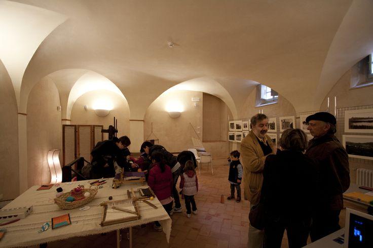 Palazzo Baldeschi - Una delle sale interne, destinata a laboratorio della tessitura, facente parte degli allestimenti del progetto TrasiMemo