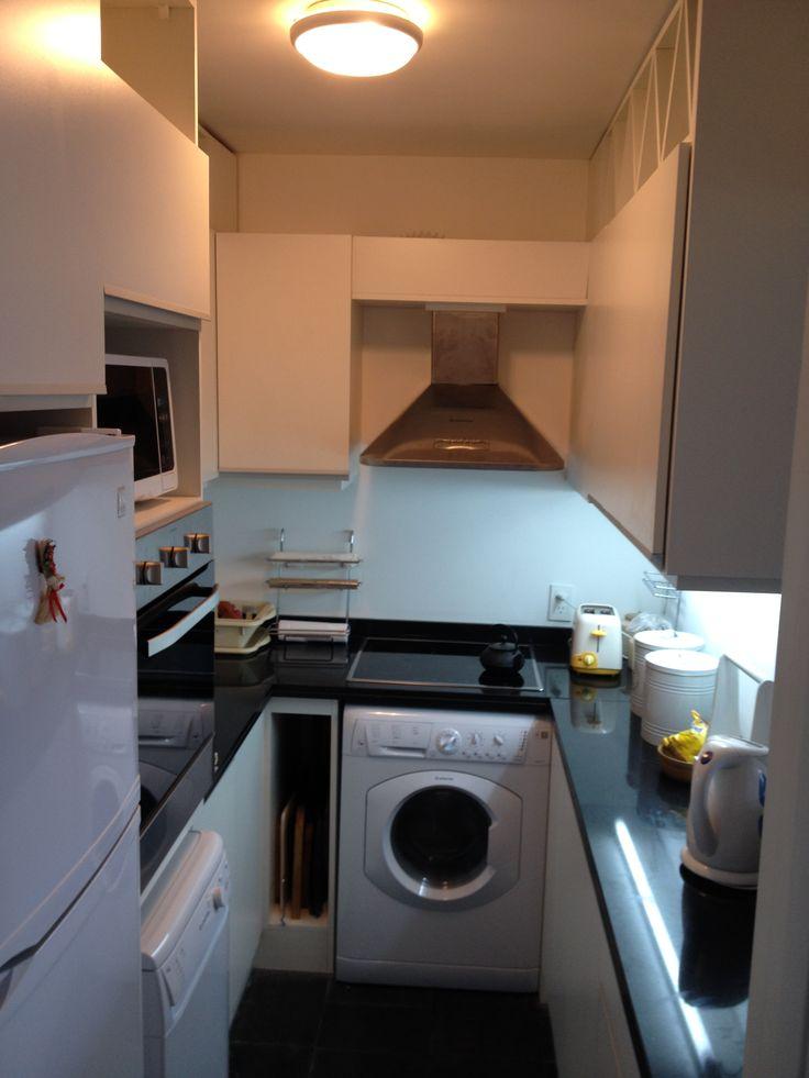 grupo3. cocina blanca 5m2. mini espacio aprovechado al máximo. hiperfuncional !