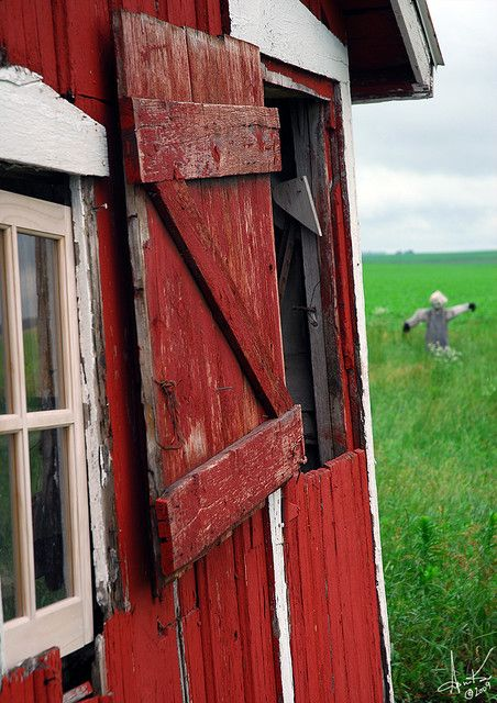 Love the old red barns. :-)