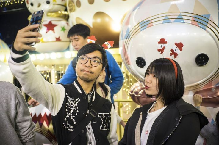 Foreign streamers are getting shut down in China says report     - CNET  Enlarge Image  Foreigners have to keep their video selfies and game streams canned and not live.                                                      Pacific Press LightRocket via Getty Images                                                  Chinas grip on the internet is tightening with the government revoking foreigners right to live-stream.   Many foreigners have found their social media accounts suspended without…