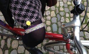 Strasbourg, le 16 février 2016. - Jart'elle, une invention strasbourgeoise des «Filles à vélo» pour faire du vélo en robe en toute sérénité.
