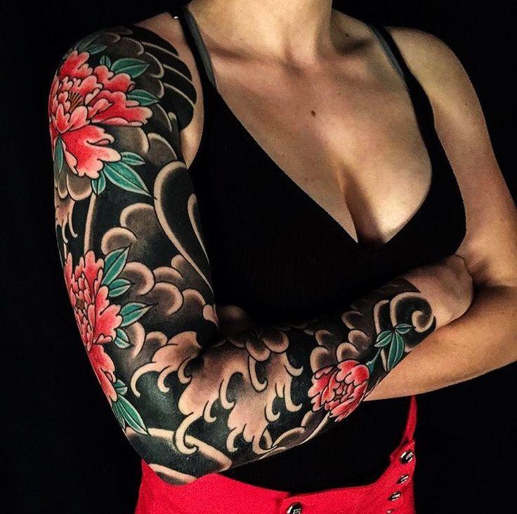 "Japanese Ink su Instagram: ""Japanese tattoo sleeve by @a_canino. #japaneseink #japanesetattoo #irezumi #tebori #colortattoo #colorfultattoo #cooltattoo #largetattoo…"""