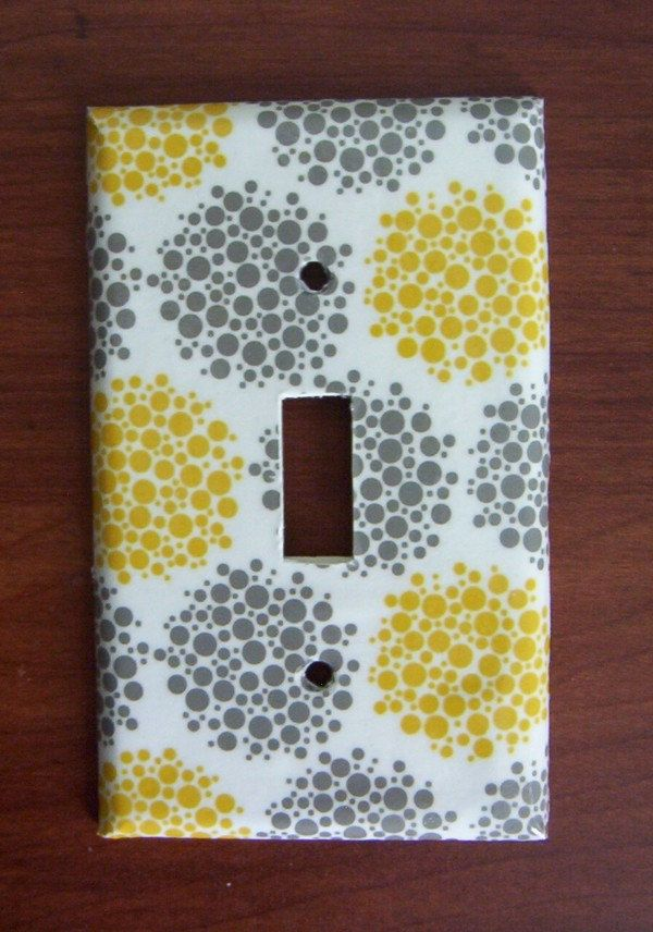 Switchplate - Yellow and Gray Bubbles. $6.00, via Etsy.