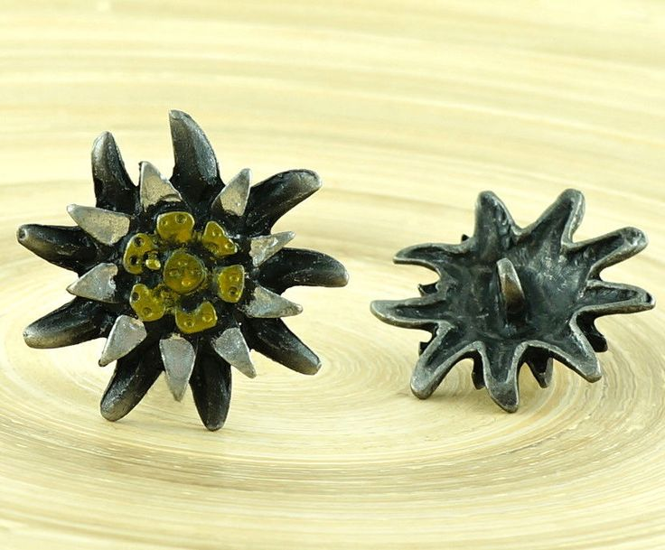 ✔ What's Hot Today: 1pc Flower Czech Findings Matte Aged Dark Antique Silver Gold Bohemian Button Rustic Handmade 28mm https://czechbeadsexclusive.com/product/1pc-flower-czech-findings-matte-aged-dark-antique-silver-gold-bohemian-button-rustic-handmade-28mm/?utm_source=PN&utm_medium=czechbeads&utm_campaign=SNAP #CzechBeadsExclusive #czechbeads #glassbeads #bead #beaded #beading #beadedjewelry #handmade