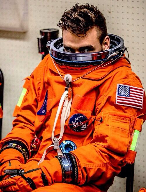 Feeling a lot like astronaut Liam Payne right now, draggin' down!