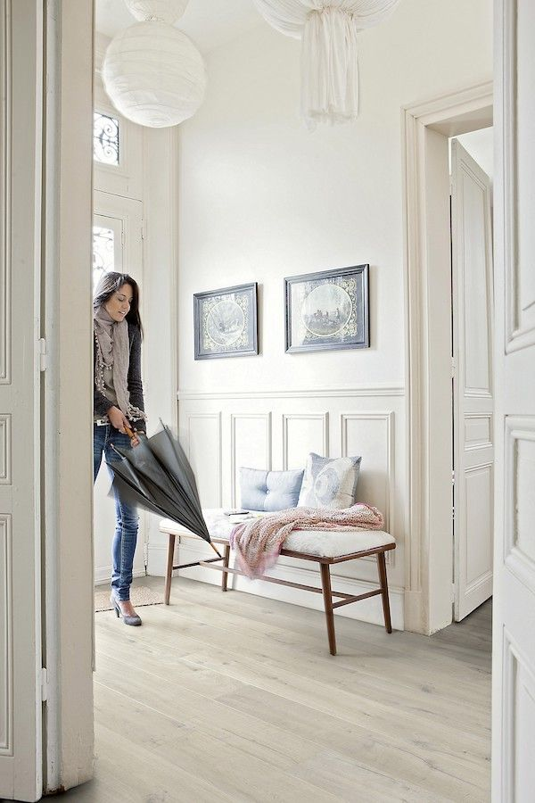 Sol Stratifie Decor Chene Impressive Classique Beige With Images Grey Laminate Flooring White Oak Floors Inexpensive Flooring