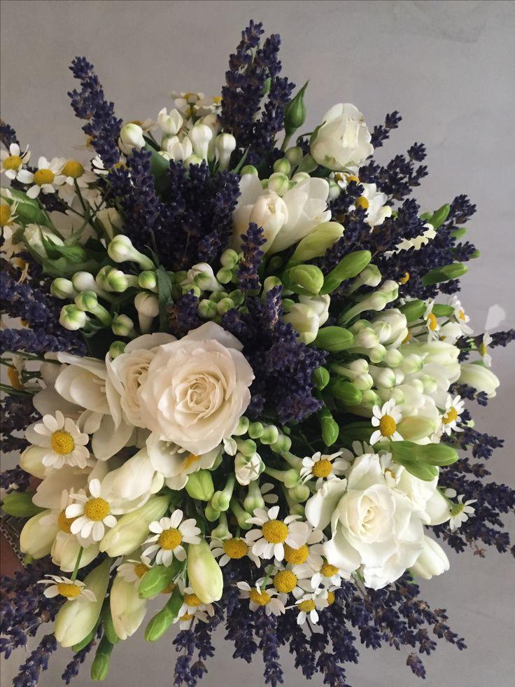 Bouquet lavanda fresia camomilla