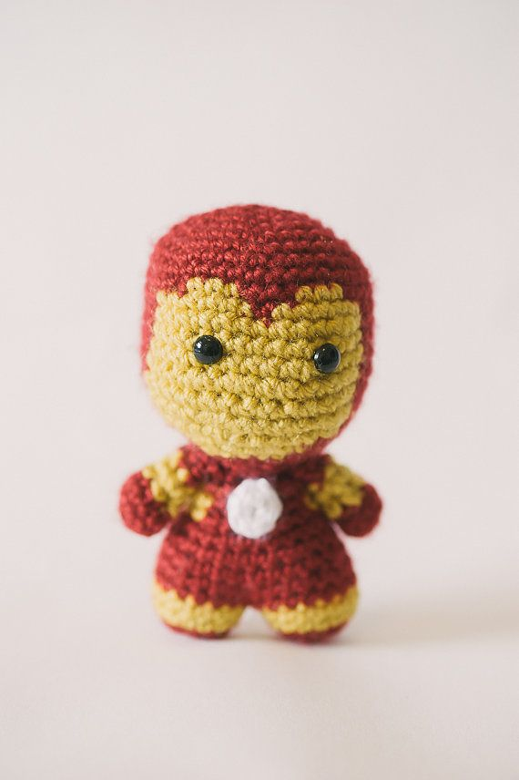 Iron Man Amigurumi Doll inspired by Marvel por electricbunnycrafts