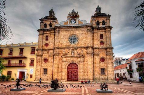 Sitios Turisticos de Cartagena de Indias Plaza San Pedro Claver