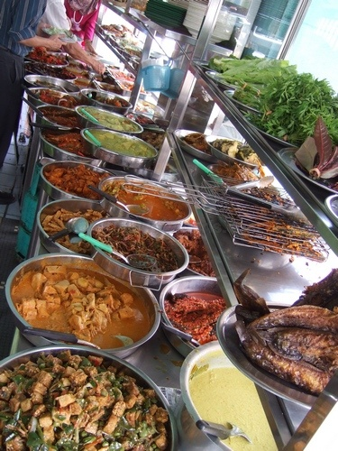 The best of Indonesian foods!! Nasi Padang (Padang mixed rice)