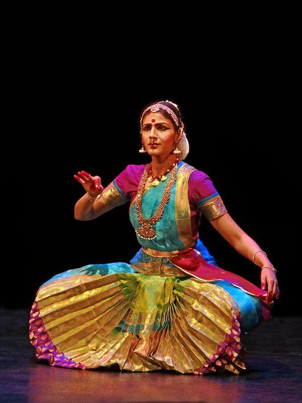 Shobana Bharatanatyam Poses
