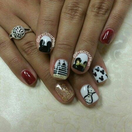 Disneyland nails. Castle, mickey mouse and minnie mouse nails. #PreciousPhanNails