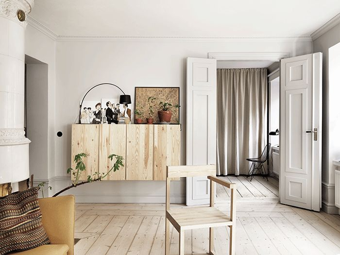 Ikea Ivar cabinet. Beige and yellow in a calming environment - COCO LAPINE DESIGN