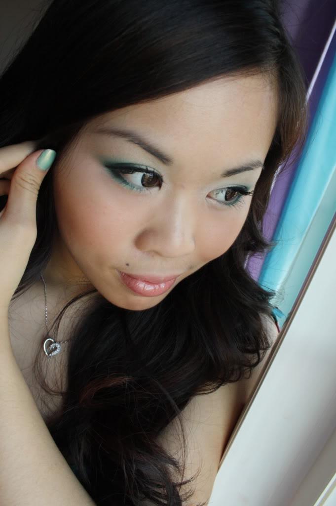 Forest green eyeshadow: Green Eyeshadow