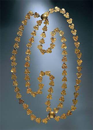Necklace, Gold, A.D. 1st century, Pompeii.