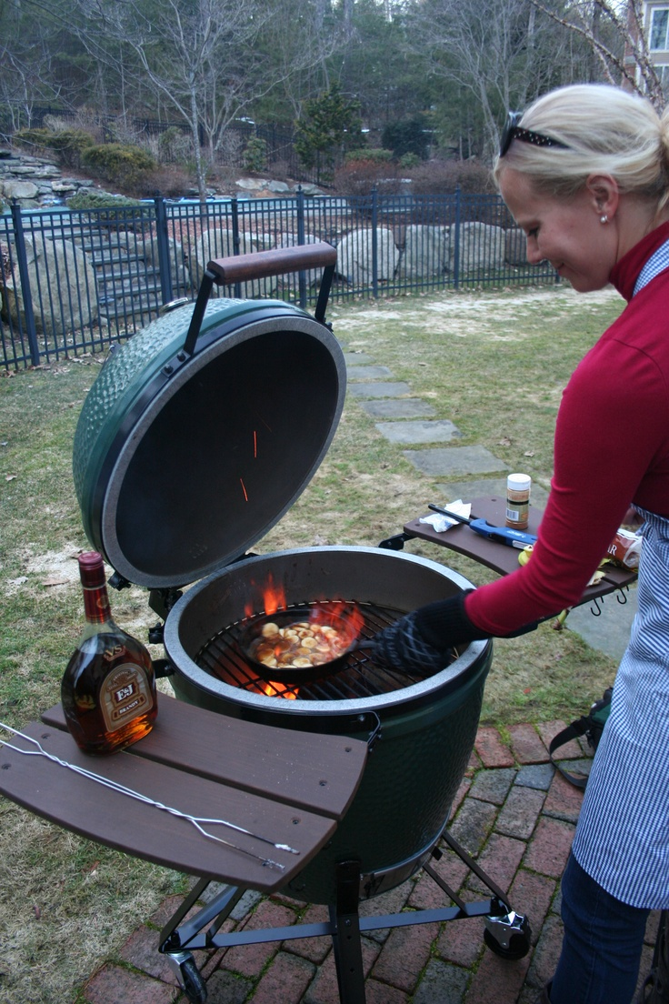 Bananas Foster on the Big Green Egg!! www.BigGreenEgg.com www.livinglinkie.com @LinkieMarais