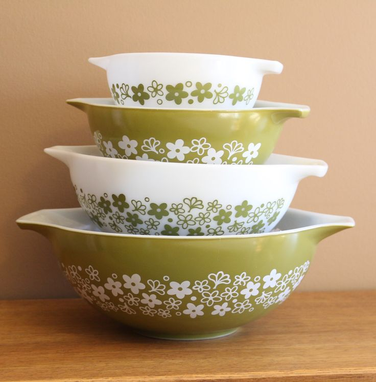 Vintage Pyrex 4pc Mixing Bowl Set, Pyrex Spring Blossom Bowl Set, Vintage Pyrex Bowls, Vintage Pyrex Bowl Set, Antique Pyrex Bowls by BarnBoutiqueByKandS on Etsy https://www.etsy.com/listing/491783573/vintage-pyrex-4pc-mixing-bowl-set-pyrex