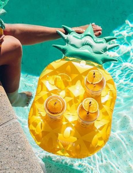 Add instant tropical vibes to your pool with this Pineapple Drink Holder Float! Size: holds four drinks Perfect for any beverage! [custom_html][/custom_html][item-gallery][disable-icon-new][disable-ic