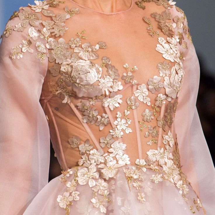 The Russian would die for this    Ralph  amp  Russo SS 2016  womensfashion  stylish  envogue