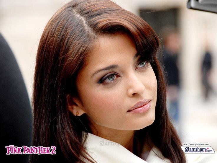 """Aishwarya in """"Pink Panther 2"""""""