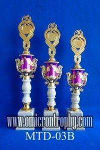 Jual Trophy Piala Penghargaan, Trophy Piala Kristal, Piala Unik, Piala Boneka, Piala Plakat, Sparepart Trophy Piala Plastik Harga Murah Jual Piala Murah Di Surabaya