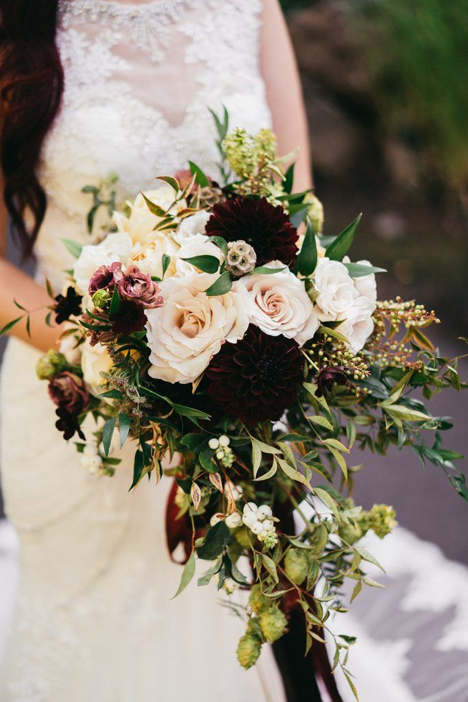 A Touch Of Burgundy A Romantic Autumn Wedding Summerrobbinsflowers Com A Touch O Bridal Bouquet Fall Wedding Flower Arrangements Fall Bridal Bouquet Peach