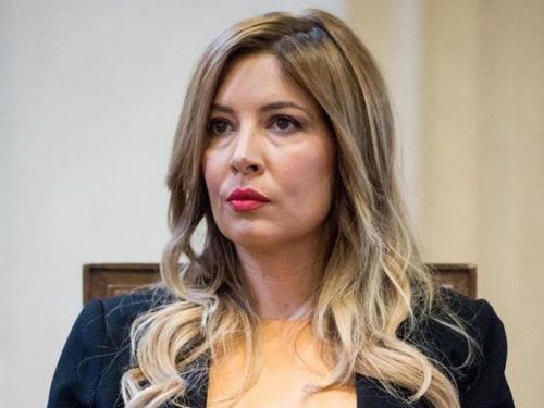 Spettacoli: #Foto #rubate ai #Vip: Selvaggia Lucarelli rischia un anno di carcere (link: http://ift.tt/2k9aGfC )