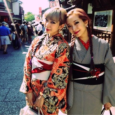 whatjapanswearing:  AMIAYA in amazing kimono