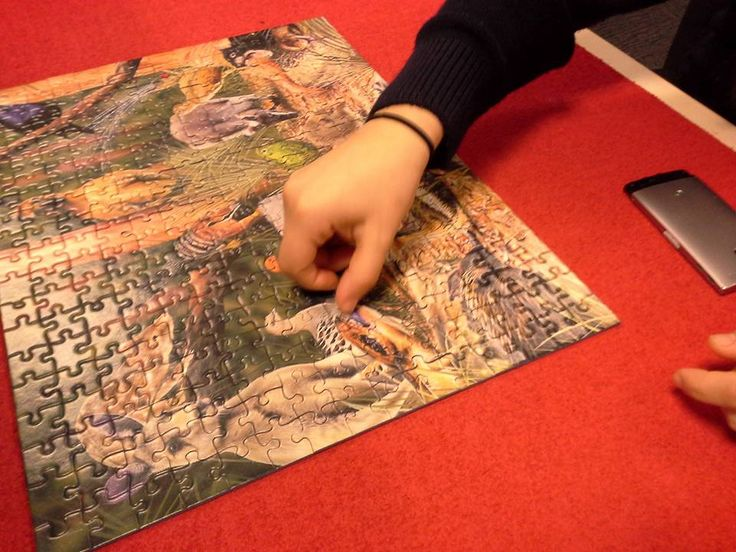 A group of year 10 students from Hume Central Secondary College just helped us complete the jigsaw puzzle which has been on display in the library over the past few weeks - well done :)