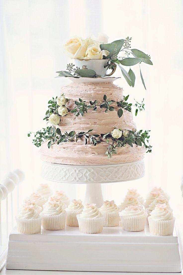 blush pink wedding cake tonyapoitevintphotography.com