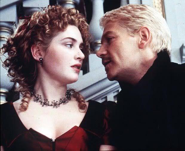 Hamlet essay ophelia's love