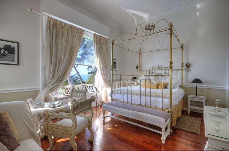 La Villa Mauresque Luxury boutique hotel in  St Raphaël with amazing restaurant!