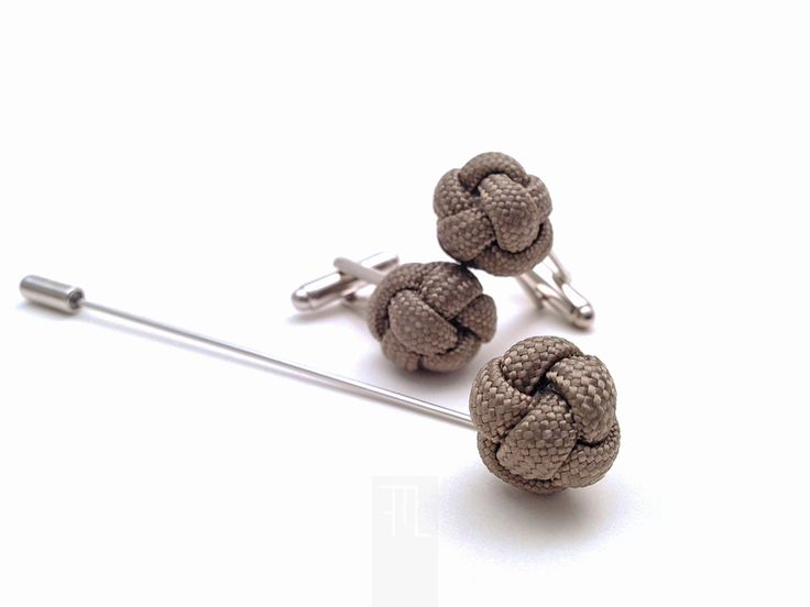 Lapel pins cufflink set in taupe paracord rope perfect for formal events, made in Italy by FMLdesign.