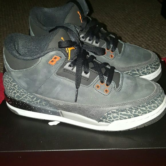AUTHENTIC Air Jordan Retro 3 (GS) Size 7 Authentic Air Jordan Retro 3 (GS) Size 7, in really good condition and still smells new, will come with original box  *No Trades* NIKE  Shoes Athletic Shoes