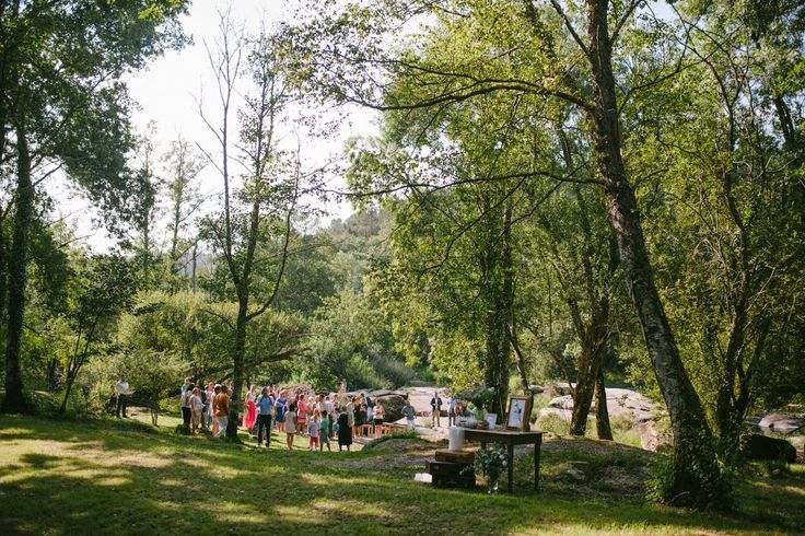 Mercè y Xabi. Una boda campestre en un bosque ~ Vodas & Bodas Imaxina Solucións