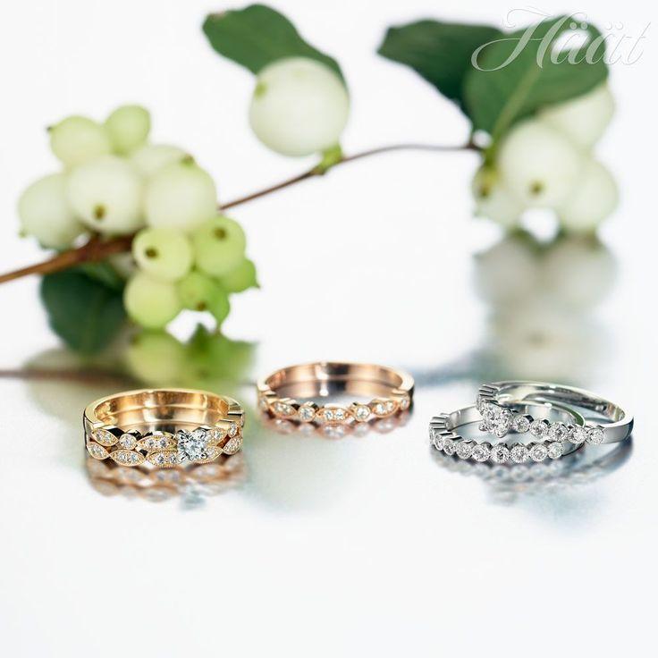 Sandberg-timanttikorumalliston Suvituuli-sormukset on suunniteltu suomalaiselle naiselle ja valmistettu Suomessa. Herkän romanttiset Suvituuli-sormukset toimivat erinomaisen hyvin kihla- ja vihkisormusyhdistelminä. Materiaalina 14K keltakulta, valkokulta tai punakulta, tilauksesta myös platina. Vasemmalla keltakultainen Suvituuli-timanttisormus 1.935 e ja rivisormus 1.059 e. Keskellä punakultainen rivisormus 1.269 e ja oikealla valkokultaiset sormukset 2.195 ja 1.399 e. www.sandberg.fi/