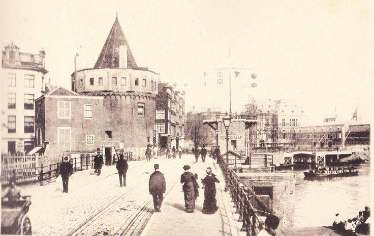 Amsterdam, Prins Hendrikkade met de Schreierstoren. Jaar 1888.