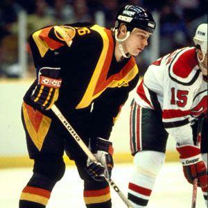 Petri Skriko (Vancouver Canucks 1984–90, Boston Bruins 1991-92, Winnipeg Jets 1991-92, San Jose Sharks 1992–93)