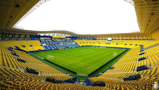 النصر يستعرض ملعب مرسول بارك قبل استضافة مباراة ضمك فيديو Soccer Field Soccer Field