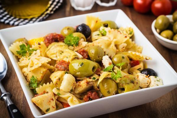 Μακαρονοσαλάτα Μεσογειακή. Η πιο απολαυστική σαλάτα ζυμαρικών!