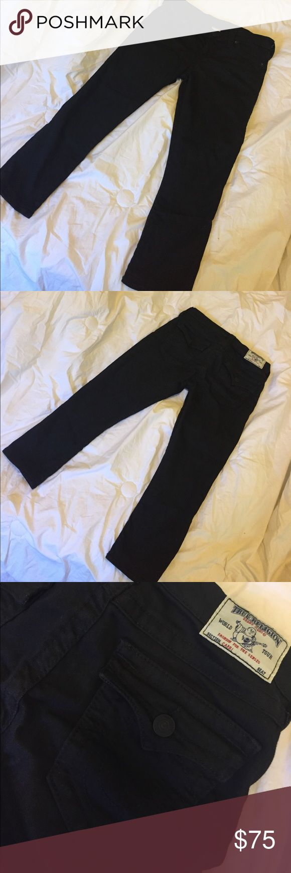 True Religion Black Women's Capri Jeans True Religion Black Women's Capri Cropped Seamed Jeans  Size Type: Regular Bottoms Size (Women's): 29 Style: Capri, Cropped Wash: Black  Rise: Mid-Rise Material: Cotton Blends True Religion Jeans Ankle & Cropped