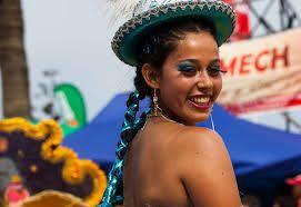"""Mujer chilena. femme chilienne""""Carnaval con la Fuerza del Sol"""". Arica. Chili"""