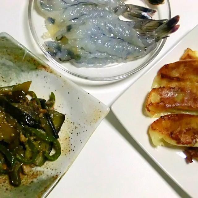 マーボー茄子少し味が濃い、天使のエビは刺身が一番美味しい。 - 59件のもぐもぐ - マーボー茄子 餃子  天使のエビ by Hiroshi  Kimura