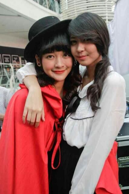 Ve and her bestfriend Kinal <3