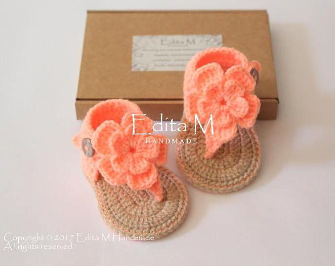 Sandalias bebé, sandalias gladiador, botitas de bebé, zapatos de bebé, bebé niña zapatillas, salmón, melocotón coral, flor de 6 a 9 meses, sandalias de ganchillo
